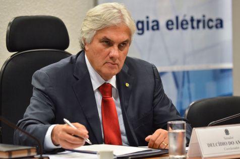 Brasília - Senador Delcídio do Amaral coordena o 1º Fórum Nacional de Infraestrutura. Em debate, transporte, energia elétrica, combustíveis, mineração, telecomunicações, saneamento, entre outros(José Cruz/Agência Brasil)